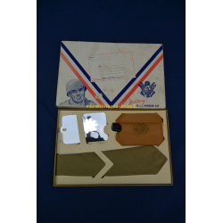 MILITARY TIE AND MIRROR KIT U.S. WWII